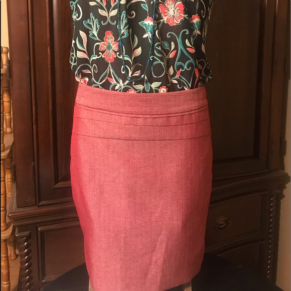 The Limited Dresses & Skirts - The Limited Cranberry pencil skirt